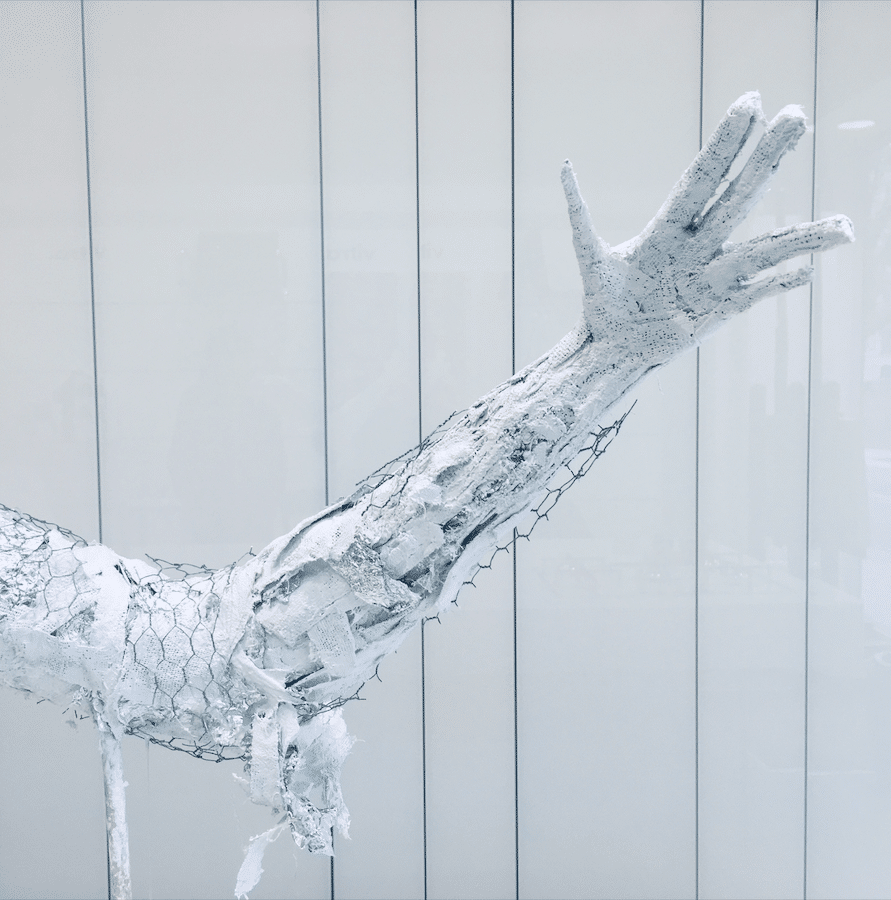 Sculpture en plâtre de Ariel Barsamian