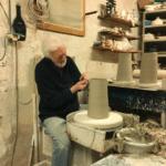 George Pelletier dans son atelier