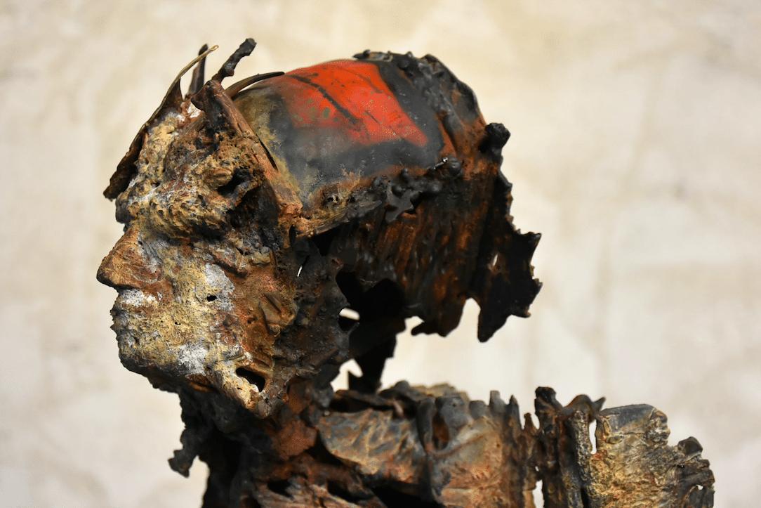 Sculpture de Julien Allegre - L'Attente - vue profil
