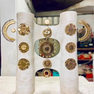 Lampe double colonne en céramique émaillée blanc et or