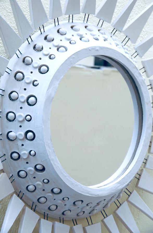 Miroir Georges Pelletier à piques émaillé blanc 69 cm