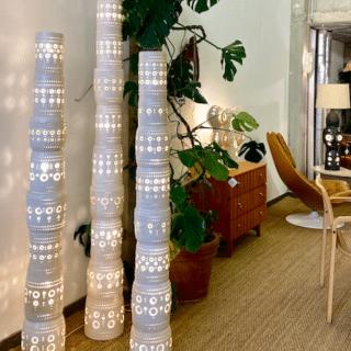 Set de trois Totem de Georges Pelletier émaillé blanc