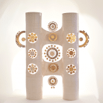 Lampe double colonne Georges Pelletier en céramique émaillée blanc et or