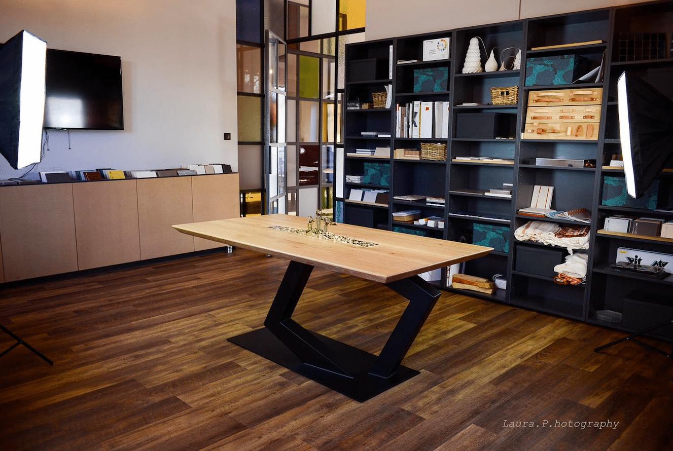 Salle A Manger Paris table de salle à manger lévitation: acier, chêne massif et