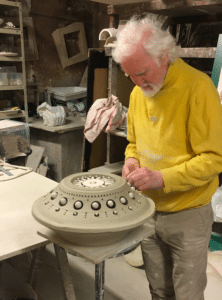 Georges Pelletier dans son atelier 2020