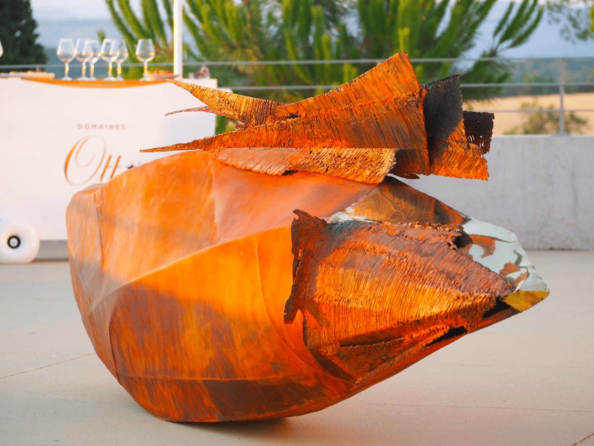 Sculpture Exuvie de Julien Allegre au Domaine Ott