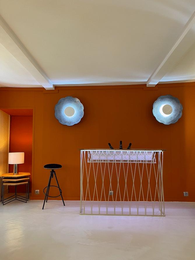 space de vente mobilier d'art Antoine Jourdan et Dominique Réol à Montmartre